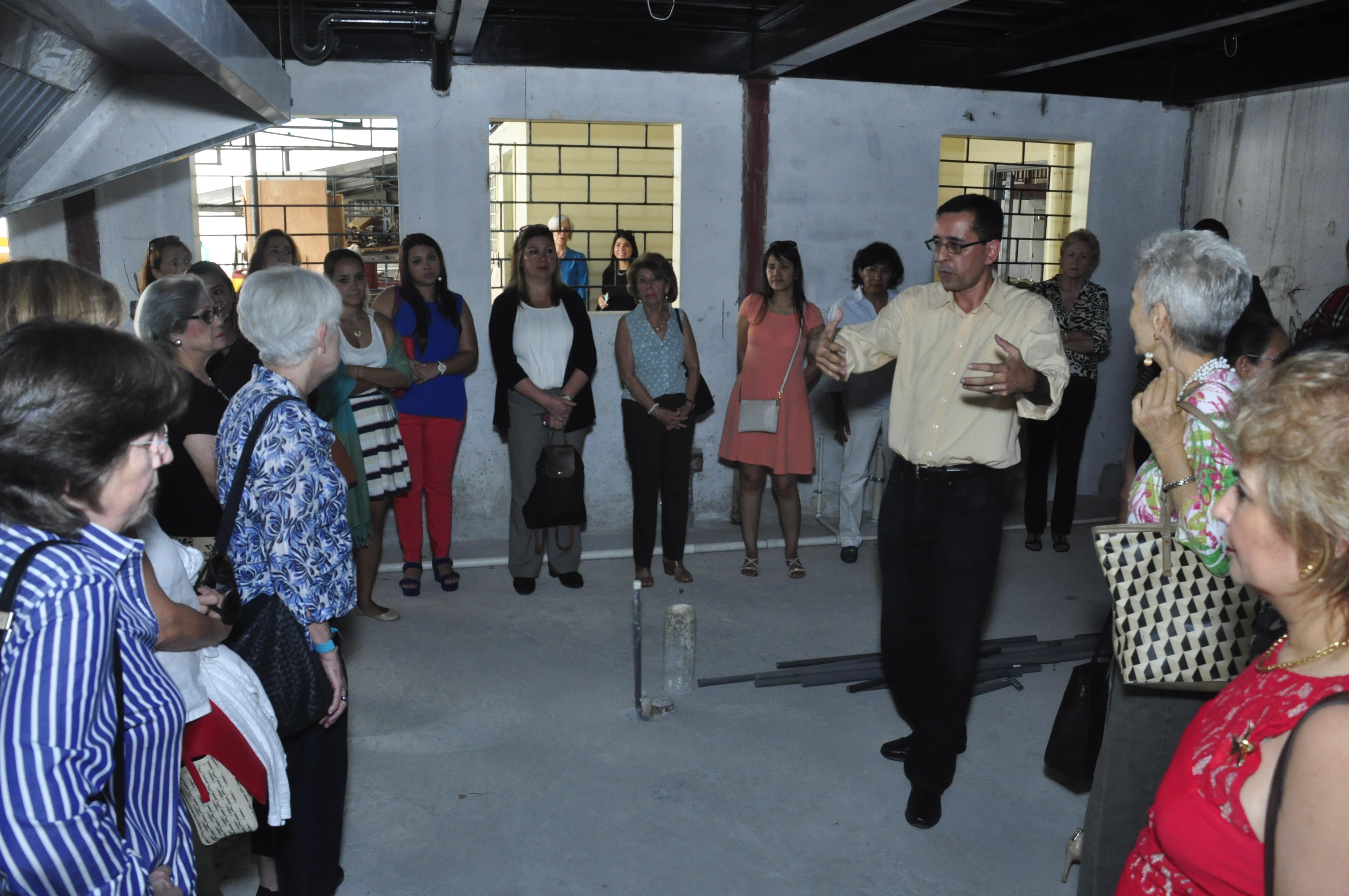 """Donación de Cocina a la escuela de """"Juntos Podemos"""" de Curundú"""